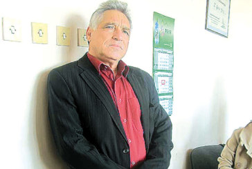 Новият губернатор В. Янев уволни благоевградския финансист К. Шумантов, зам. областният Л. Стоянов застана зад микрофона, без да знае, че вече не е на работа