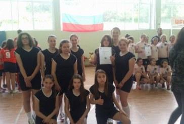 Волейболистките от Сандански трети на турнир в Белово