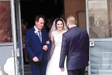Бизнесмен и бивш полицай вдигнаха тежка сватба на децата си в Сандански, младоженците празнуваха в едно и имен ден, и 30-г. юбилей