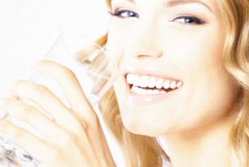Заменете всички напитки с вода – вижте какво става с тялото ви!