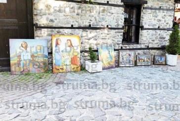 СКАНДАЛЪТ ПРОДЪЛЖАВА! Още четирима художници демонстративно свалиха творбите си от изложбените зали на Благоевград