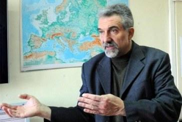 Сеизмологът Емил Ботев: Зоната в Измир е активна, пластовете се движат