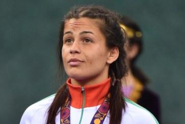 Елица Янкова пали Олимпийския огън в Благоевград