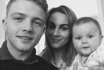 Греховна любов: 30-г. майка на 2 деца съблазни 16-г. ученик и му роди бебе (СНИМКИ)