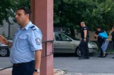 Бургазлия 20 часа държа като заложници сина си и майка си