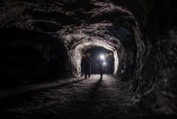 Двама загинаха при експлозия в незаконна мина, 11 са изчезнали