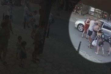 Задържаха мъж, нападнал незрящи туристи в Несебър