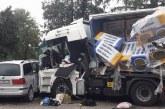 Кюстендилски тираджия катастрофира тежко! Изхвърча от камиона заедно със седалката /СНИМКИ/