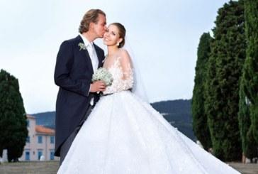 """Наследницата на """"Сваровски"""" се омъжи в рокля с 500 000 кристали /СНИМКИ/"""