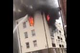 Нов ад в Лондон! Пожар избухна в жилищна сграда, 10 пожарни в борба с огъня