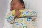 Роди се бебе, тежащо 6,5 кг /СНИМКИ/