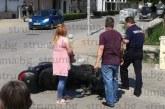 Зрелищен сблъсък в Гоце Делчев! Млада водачка засече мотоциклетист
