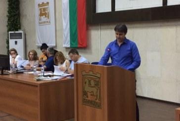 """Кметът Камбитов иска съкращения в администрацията на ОФК """"Пирин"""", с 220 000 лв. изчисти заплатите, сви бюджета на 2,1 млн. лв."""