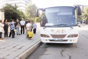 """TА """"Оазис-А"""" откри главния сезон с два нови микробуса и 24-местен автобус"""