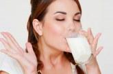 Чаша айрян и лека храна идеални за жегите