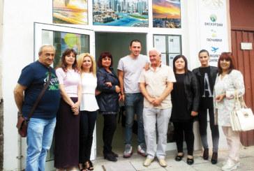 "С водосвет и шампанско Туристическа агенция ""Оазис-А"" отвори офис и в Дупница"