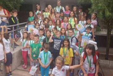 "Благоевградски плувци с 35 медала на ""Весел жабок"""