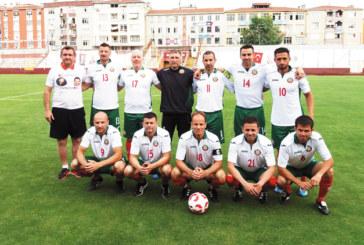 Благоевградският Гонзо и неврокопчанинът Ат. Дреновички бродираха на футболния терен в дебюта си за отбора на реферите