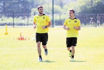Орлето Т. Тасев се счупи в първия мач за канарчетата след бягството от Благоевград
