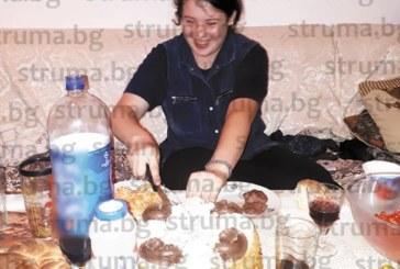 Двоен празник в семейството на адвокат М. Биков, съпругата и голямата му дъщеря – рожденички
