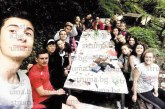 На трапеза край пещерата на Св. Иван Рилски десетокласници от Земеделската гимназия в Сандански отбелязаха края на учебната година