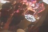"""ЛУД ЕКШЪН! Благоевградчанин окървавен от 10 мутри в култовото заведение """"Бикини"""" в Созопол /видео/"""