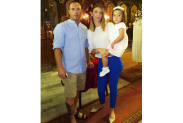 Гастарбайтеридолетяха от Испания, за да кръстят дъщеричката си в Крупник