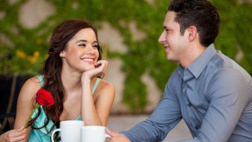 Фрази за първа среща: Как да го впечатлиш от пръв поглед