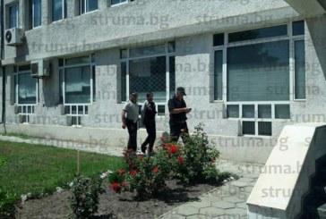 Ето го изнасилвача от Елешница, доведоха го в съда прикован с белезници
