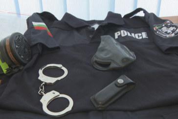 Полицаите ще получат пари за униформи за период от пет години