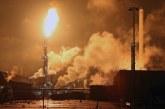 Горя най-голямата рафинерия в Европа