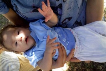Познавате ли това бебе! Полицията издирва родителите му