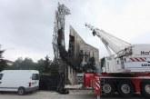 Запалиха крана, който демонтира паметника пред НДК