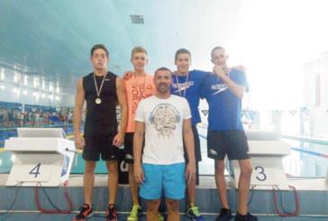 """Щафетата на """"Сандански"""" счупи собствения си държавен рекорд, благоевградчанин носи 5 медала за варненски клуб"""