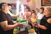С 50 гости сандански ресторантьори честваха рожден ден на синчето си