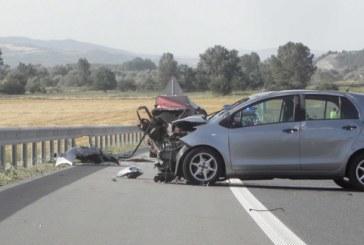 """Адска катастрофа на АМ """"Струма""""! Трима ранени в сблъсък край Кочериново, единият в критично съсътояние"""