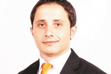 Благоевградчанинът В. Дивилски, специалист по инвестиционно банкиране с диплом от Хага: Ако искаш да работиш като директор, в България можеш да го постигнеш за 10-15 г., в чужбина – никога