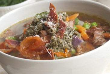 Италианска лятна супа с моркови и целина