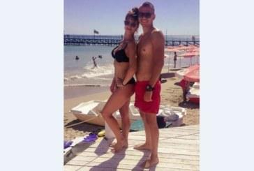 ВЪЛНУВАЩА ПОЧИВКА! Влюбена двойка от Санданско се сгоди в открито море