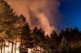 ДРАМАТИЧНА НОЩ КРАЙ КРЕСНА! Две нови огнища едва не изпепелиха Сенокос и Ощава, днес частен хеликоптер се включва в гасенето на пожара