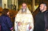 Отец Г. Паликарски от 32 г. кара без отпуска, разтоварва се с пеене в хора на Рилския манастир