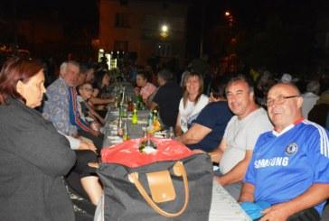 Кукери от Крупник седнаха на обща трапеза