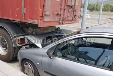 Лек автомобил се заби в български тир в Гърция