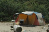 Властите в Гърция атакуваха български туристи, приковаха трима с белезници