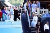 Гръцки милионер забавлява Камила и Принц Чарлз на Корфу /СНИМКИ/