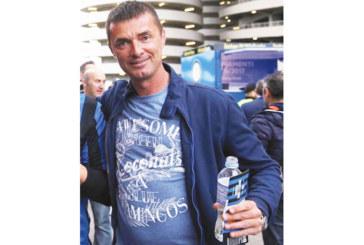 Треньорът на 17-годишните марекчани А. Кючуков принуден да ползва по-малки играчи