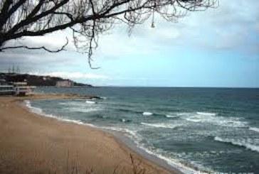 ЕКСПЕРТИ ПРЕДУПРЕЖДАВАТ: Есенното море е опасно