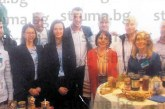 Евродепутатите опитаха в Брюксел мед от пчелина на председателката на пчеларите в Благоевград