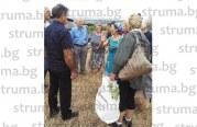 С дарове, погачи и баници 20 души от Габрово и Дебочица гостуваха на пророчица Ленчето в манастира край Щип, копаха бунар в двора му