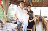 Синът на благоевградската лекарка д-р Куньова събра приятелчета на парти за третия си рожден ден, дядо му го изненада с мотор